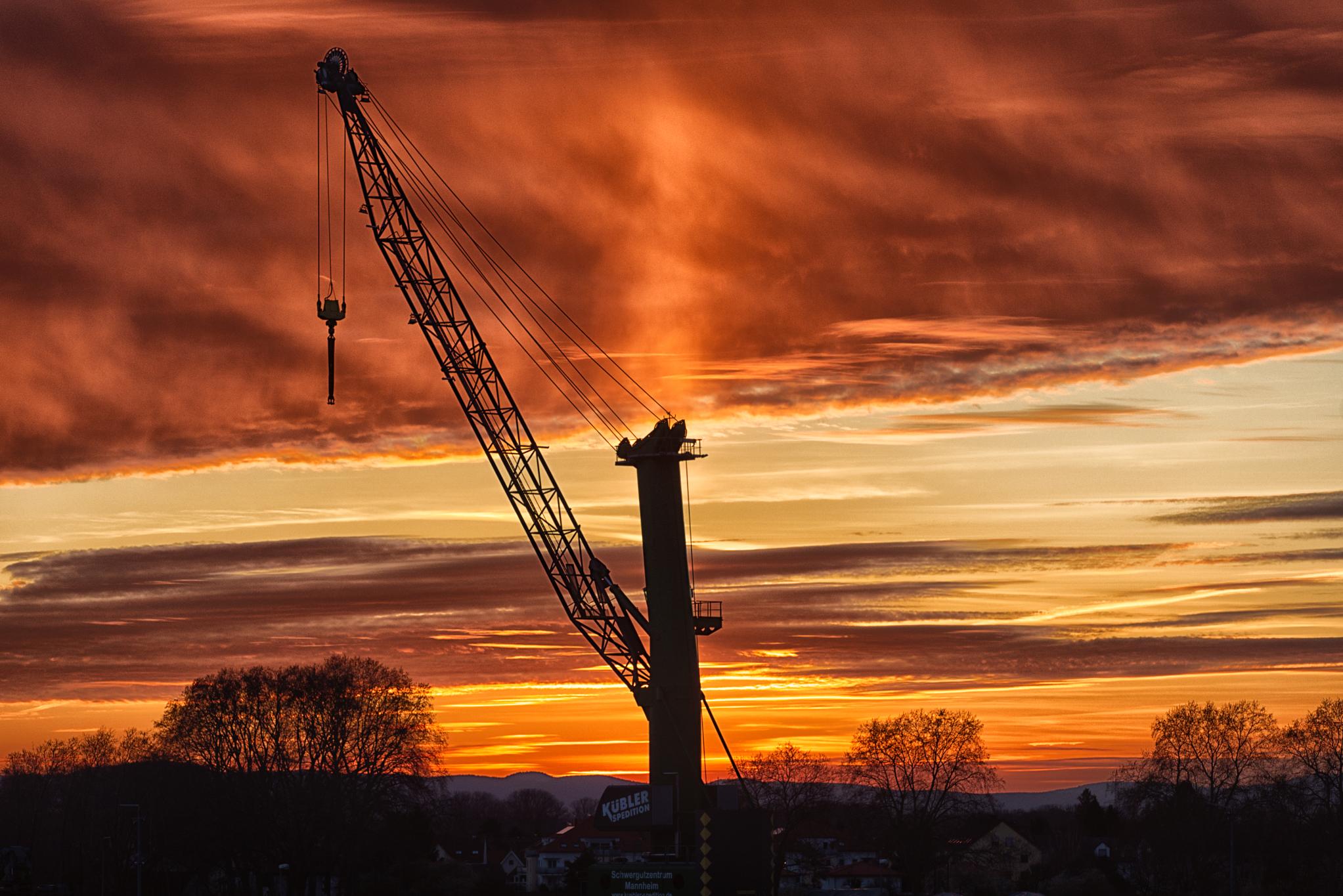 Goldene Stunde im Hafen am GKM Mannheim